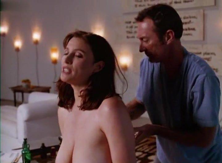 Elizabeth Barondes  nackt