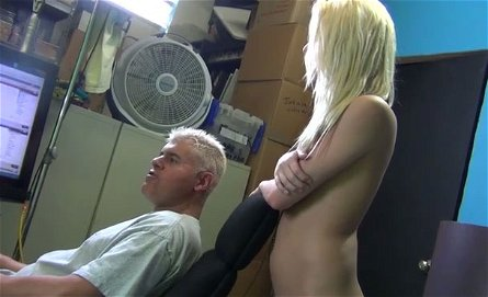 Nude slim blonde Roxxi Silver is ready to serve her client at the highest level