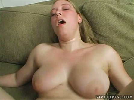 Pale blonde beauty Kiara Marie enjoys a serious shag