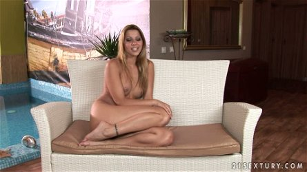 Naked Interview with Gorgeous European Babe Cindy Hope