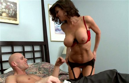 Big breasted brunette Veronica Avluv gives her lover a nice blowjob