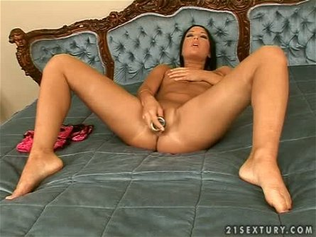 Angelica Heart Masturbating Her Pussy Pretty in Pink