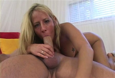 Well-endowed dude fucks throat of blonde chick Ashley Jensen