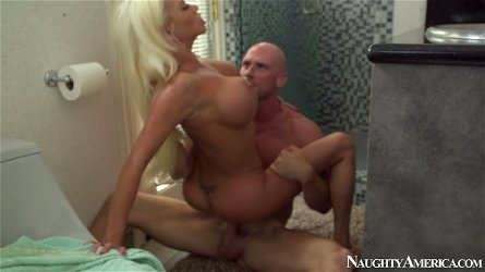 Spoiled whore Nikita Von James gets her muf dived by kinky daddy