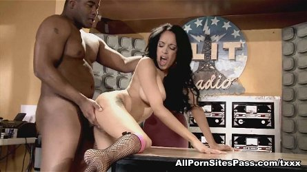 Breanna Sparks in Interracial Hardcore Video - AllPornsitesPass