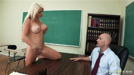 Naked chick Alexis Ford wants to seduce a bald fellow