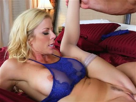 Flexible yummy blondie Alexis Fawx got her vagina stretched in missionary and cowgirl poses tough