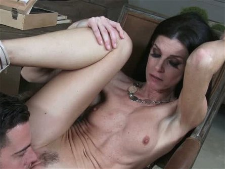India Summer has sex appeal oozing out of her in this hot sex video