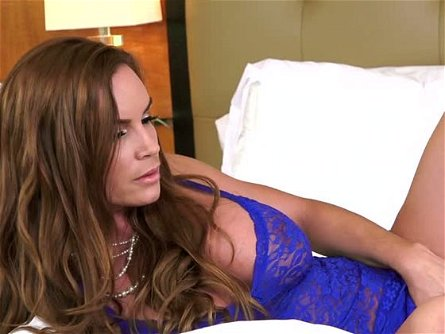 Passionate MILF Diamond Foxxx knows how to give head like a pro