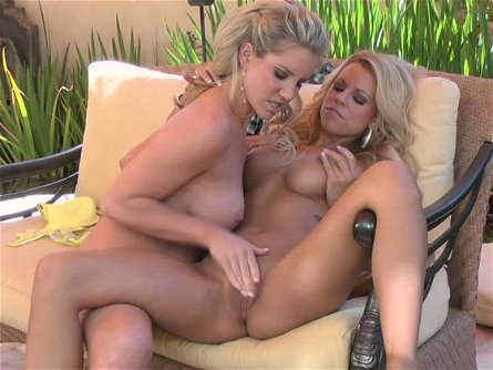 ainsley addison nicole graves in blondes in ecstacy outdoor