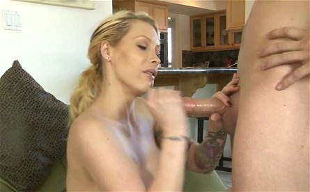 Alluring blonde hoe Candy Manson gives head to Jessy Jones