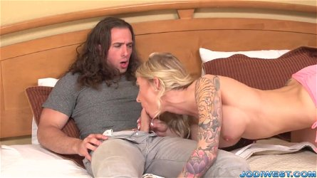 Super-mom Jodi West got laid by ripped stud