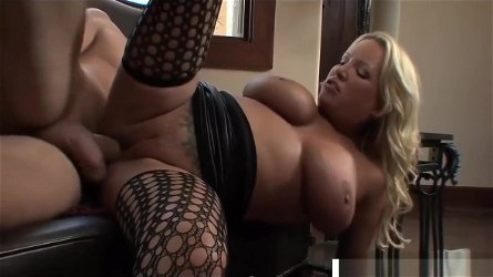 Amazing Step Mommy Rachel Love Gives Handjob Good Her Son's Friend
