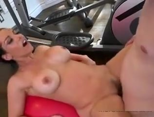 Hot Vixen Bella Reese Gets All Her Holes Drilled