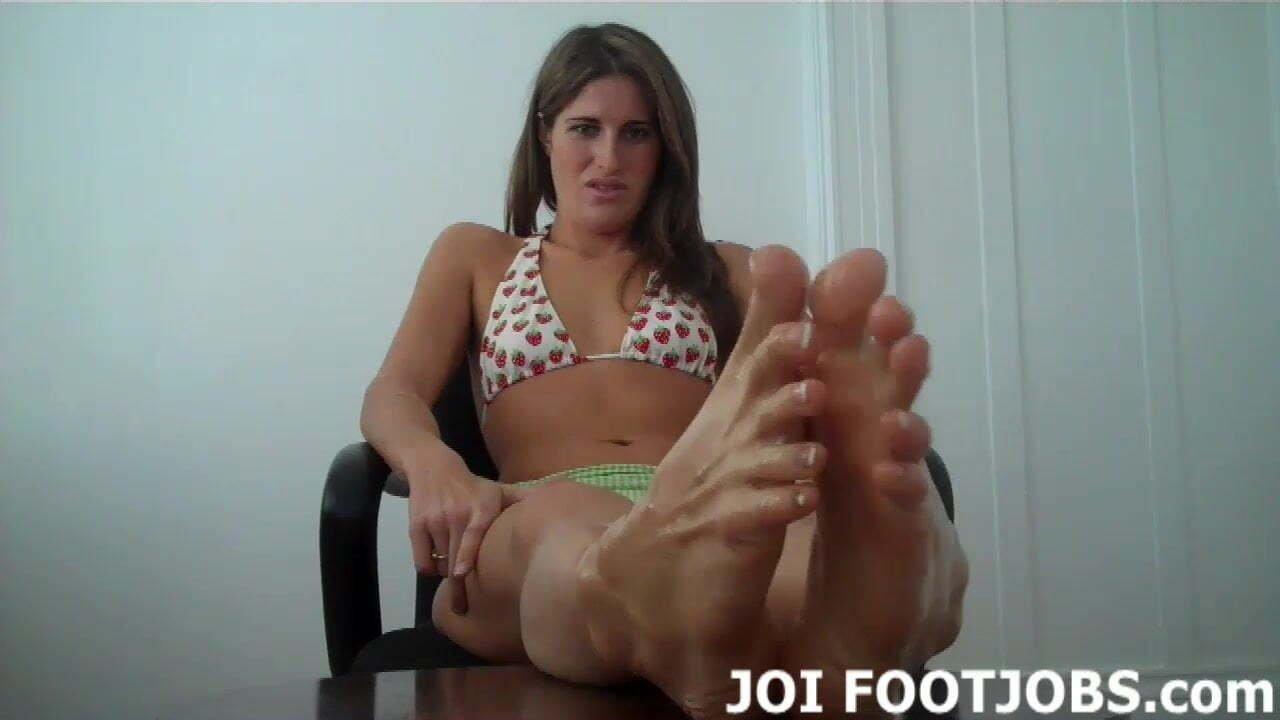 Encouraging Girlfriend Footjob Joi Jackie Marie Jupiter