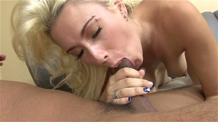 Dude gives Jessica Woods one hell of a fingering and then she goes down on him