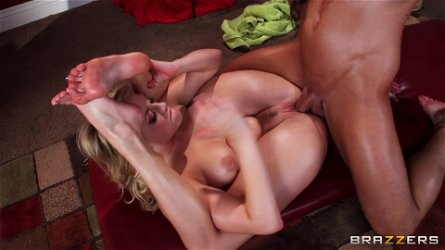 Beautiful blond babe enjoys spiritual sex theraphy