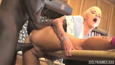 Short haired chick Joslyn James takes care of a big black dick