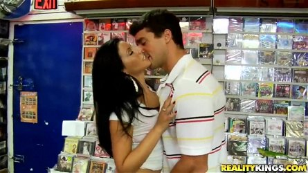 Deep throat blowjob by adorable Latinas whore Bianca Jacobs!