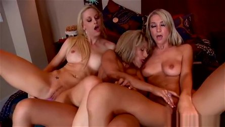 Lesbian porn video featuring Sammie Rhodes, Corie Nixx and Lux Kassidy