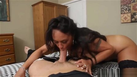 Godly brunette MILF Mariah Milano is blowing a cock