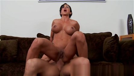 Unearthly shaved mom Jewels Jade is sucking my cock