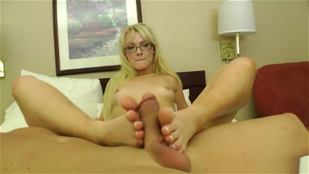 Zoey Paige - FootJob and Foot Worship