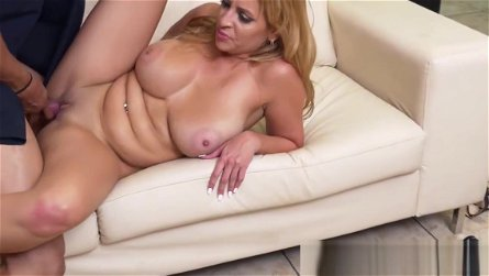 Bigboobs MILF rides big cock and gives a bj