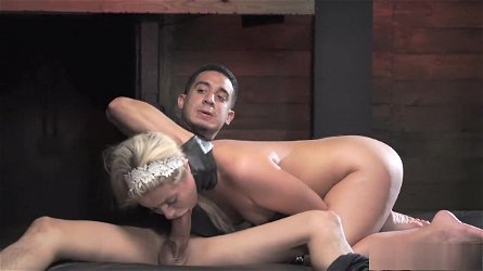 Ravishing blonde Madelyn Monroe getting tied up and sexually fulfilled