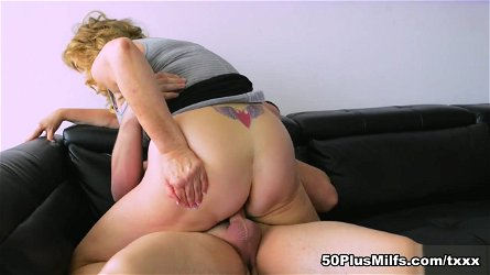 Hard sell, easy lay. Rose's first XXX - Texas Rose and Peter Green - 50PlusMILFs